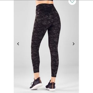 Fabletics- High-Waisted Printed Heathered 7/8